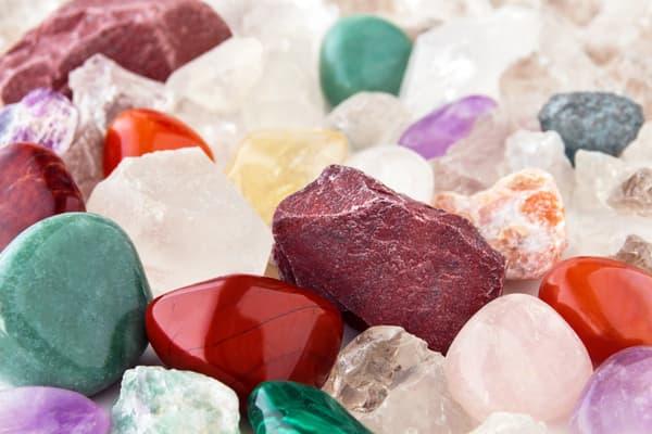 Les pierres de santé attirent de plus en plus de Français
