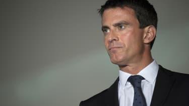 """Le Premier ministre Manuel Valls a estimé lundi soir que """"les pouvoirs publics doivent changer d'attitude"""" vis-à-vis des manifestations appelant au boycott des produits israéliens, qui participent selon lui d'un """"climat nauséabond"""" - Mardi 19 janvier 2016"""