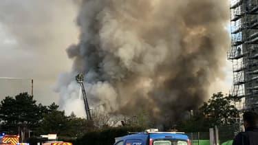 L'incendie s'est déclaré tôt mardi matin.