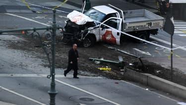 A New York, une camionnette a foncé dans la foule faisant huit morts et onze blessés.