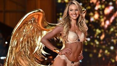 Candice Swanepoel lors d'un défilé Victoria's Secret