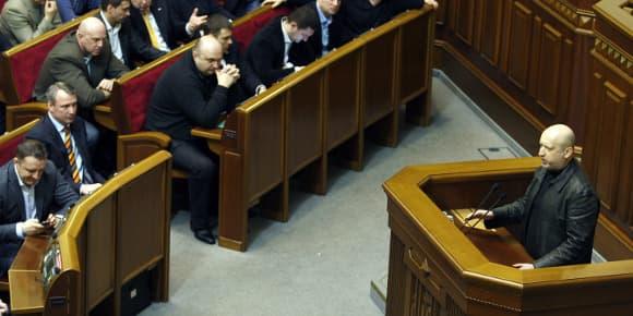 Le nouveau président du Parlement ukrainien Olexandre Tourtchinov parle pendant une session à Kiev, le 22 février 2014