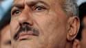 Le président yéménite Ali Abdallah Saleh, confronté depuis janvier à un puissant mouvement de contestation, a signé mercredi en Arabie saoudite l'accord prévoyant son départ du pouvoir, selon la télévision nationale saoudienne. /Photo d'archives/REUTERS/A