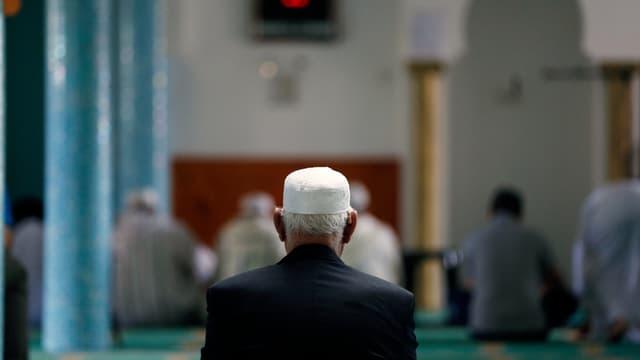 L'imam, considéré comme proche de la mouvance salafiste, a été remplacé.