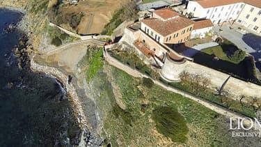 Cette villa coûte entre 5 et 10 millions d'euros.