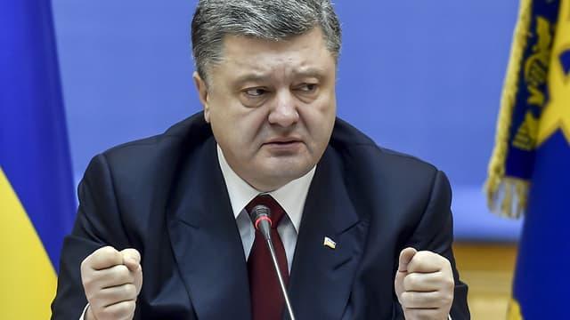 Petro Porochenko le 11 février 2015 lors d'un Conseil des ministres à Kiev.