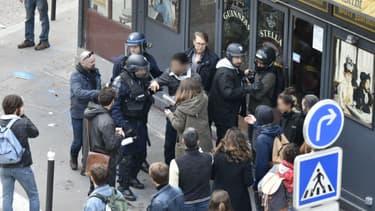 """Les deux jeunes molestés par Alexandre Benalla dénoncent des """"violences""""."""