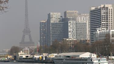 La capitale nimbée d'un voile de pollution lors d'un pic enregistré le 14 mars 2014.