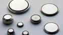 Les piles bouton et les piles au lithium sont très dangereuses une fois avalées. (Photo d'illustration)