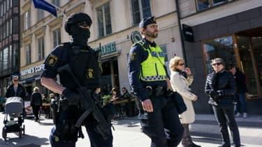 Des policiers patrouillent à Stockholm le 9 avril 2017