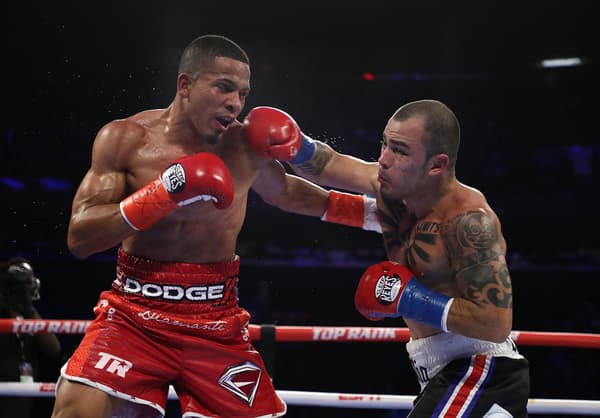 Felix Verdejo (à gauche) lors de son combat contre Bryan Vasquez en avril 2019