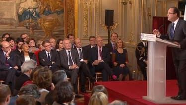La quarantaine de ministres sera cependant attentive à toute allusion du chef de l'Etat à un prochain remaniement de l'équipe gouvernementale. Ici, Le président lors de la première conférence de presse.