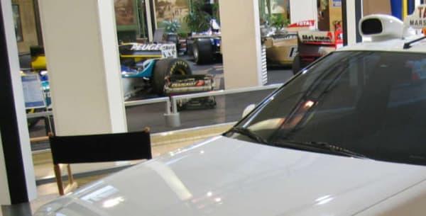 Les deux phases de la 406 ont été utilisées dans Taxi, ainsi que la 407, pour le dernier film de la série, tourné en 2007.