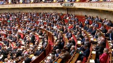 Dans les rangs de l'Assemblée, les députés ne se sont pas privés de pianoter sur leur smartphone pendant le discours de politique générale de Manuel Valls.