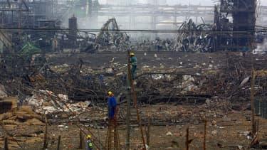 Les décombres de l'usine AZF