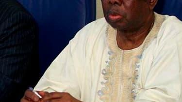 """Le président de la commission de la Communauté économique des Etats de l'Afrique de l'Ouest. Les dirigeants de la Cédéao se sont mis d'accord pour demander aux Nations unies un mandat pour une intervention militaire """"en dernier recours"""" en Côte d'Ivoire."""