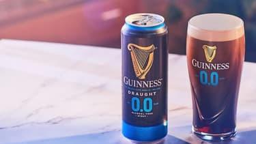 Lancée en octobre en Grande-Bretagne, la Guinness 0.0, est une version sans alcool de sa bière culte