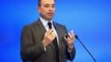 Jean-François Copé en appelle à la générosité des Français pour aider l'UMP à combler un trou de 11 millions d'euros dans ses comptes.