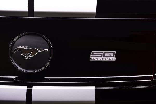 Un badge commémorant les 50 ans du triplé sera disposé sur chaque modèle.