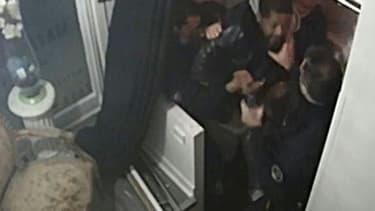 Capture d'écran datant du 27 novembre 2020 d'une vidéo AFP avec les images de caméras de télésurveillance montrant le passage à tabac de Michel Zecler par des policiers à Paris