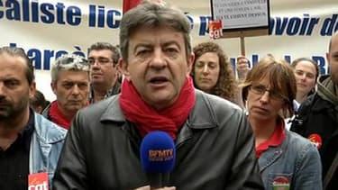 Jean-Luc Mélenchon, devant l'Assemblée nationale, jeudi.