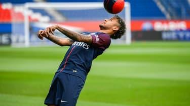Neymar devrait toucher 30 millions d'euros net par an.
