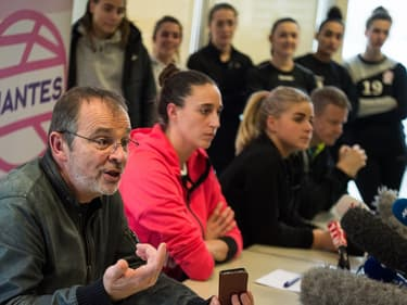Le président du Nantes Atlantique Handball au premier plan: Arnaud Ponroy
