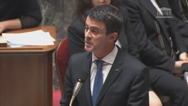 Manuel Valls lors de la séance de question au gouvernement.