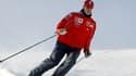 L'état de santé de Michael Schumacher reste critique mais stable, a annoncé sa famille. Sur cette photo, l'ancien champion de Formule 1 à skis en 2004.