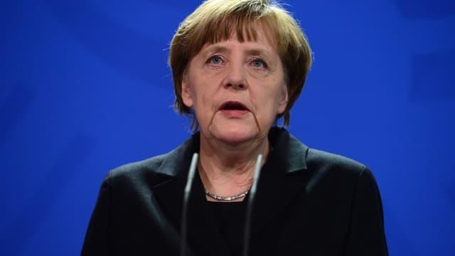 """Angela Merkel admet que l'Allemagne """"profite"""" de la fermeture de la route des Balkans aux migrants - Lundi 14 mars 2016"""