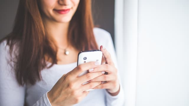 57% des salariés avouent consulter des emails ou répondre à un appel une fois leur journée finie.