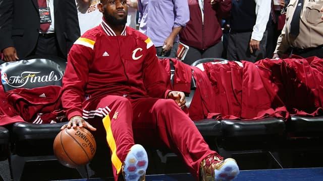 LeBron James sous le maillot des Cleveland Cavaliers