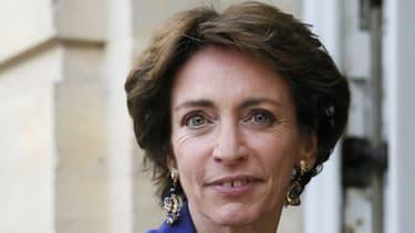 """La ministre de la Santé a assuré vendredi que """"le statut des sages-femmes évoluera"""""""