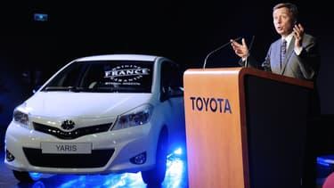 """Didier Leroy, lors de la remise du label """"Origine France Garantie"""" à la Toyota Yaris, à Valenciennes en mai 2013"""