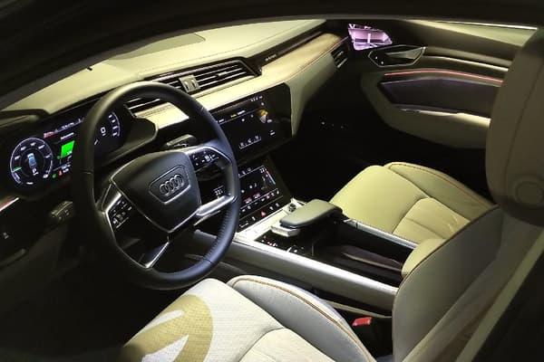 L'habitacle très soigné de l'Audi E-tron Sportback.