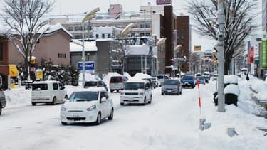 Au nord de l'île d'Hokkaido recouverte d'un épais manteau de neige, la situation est particulièrement difficile, mercredi.