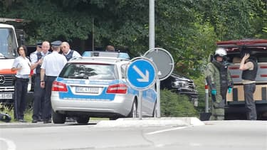 Quatre personnes ont été tuées mercredi au cours d'une prise d'otages à Karlsruhe, dans le sud-ouest de l'Allemagne, lors d'une procédure d'expulsion d'un appartement. Parmi les cadavres découverts par les forces de l'ordre, se trouve probablement celui d