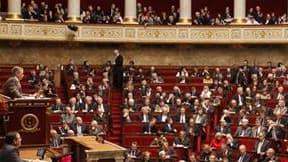 """Des députés français se sont défendus mardi de siéger dans une institution accusée d'être un bastion du sexisme en organisant une """"journée de la jupe"""" diversement appréciée sur les bancs de l'Assemblée nationale. Bernard Accoyer (UMP), le président de l'A"""