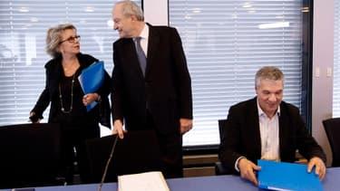 En 2009, les contrats de Françoise Laborde et Rachid Arhab -entourant ici Michel Boyon- avaient fait du bruit