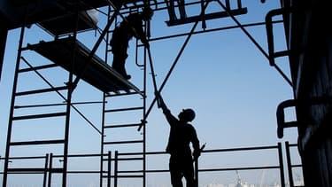 Le manque d'artisans étrangers dans le secteur de la construction menace l'immobilier américain.