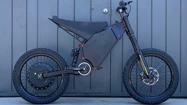 Le constructeur californien CAB Motorworks a dévoilé un vélo qui frôle les 100km/h en vitesse de pointe.