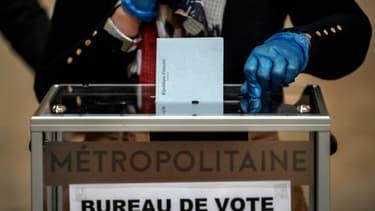 Un bureau de vote à Lyon, le 15 mars 2020 lors du 1er tour des élections municipales