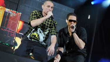 Kool Shen et JoeyStar sur scène au Parc des Princes à Paris à en 2010