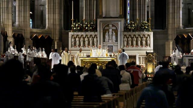 Messe célébrée au Sacré Coeur à Paris, le 1er novembre 2020
