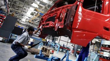 Chaîne de montage de poids lourds Volvo, en Inde.
