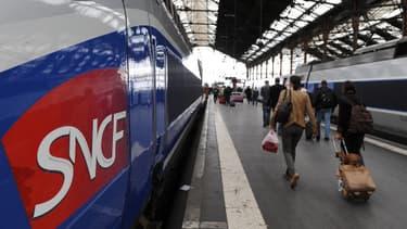 50 gares ont été approvisionnées en bouteilles d'eau, repas et couvertures, en vue d'accueillir des voyageurs bloqués
