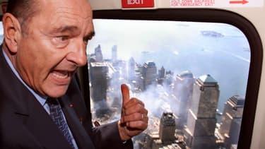 Jacques Chirac survole le World Trade Center en 2001, quelques jours après l'attentat du 9/11