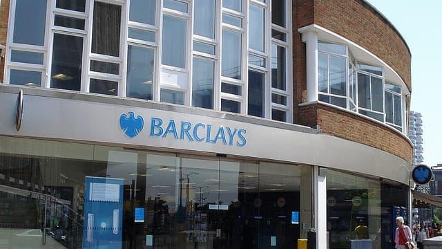 La banque cherche à réduire l'importance donnée aux activités de marchés