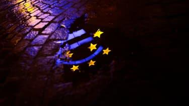Les ambassadeurs européens n'ont pas encore décidé d'empêcher les banques russes d'émettre des titres de dette en Europe.