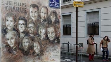 Fresque en hommage aux victimes de l'attaque à Charlie Hebdo, rue Nicolas Appert à Paris, où se trouvaient les locaux du journal en 2015.